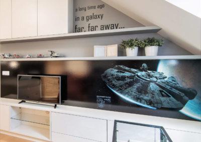 Podkrovní-pokoj-mladého-fanouška-Star-Wars-zákázková-realizace-pokoje-bytový-design-individualisti (3 of 5)