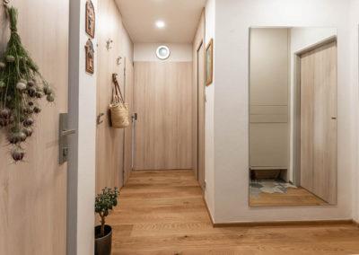 Byt-v-Hrozenkově-interierovy-design-navrh-realizace-rekonstrukce-bytu (7 of 13)