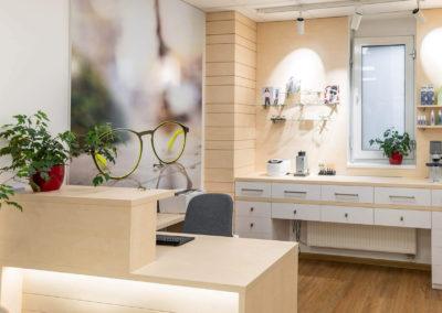 Optika-v-uherskohradišťské-nemocnici-interier-design-prodejna-komercni-prostor (1 of 6)